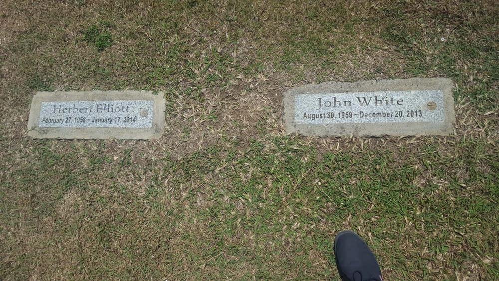 grave stones elliott white