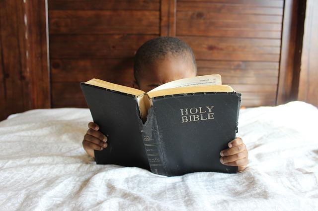 child-reading bible