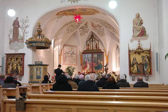 church-worship-idolatry