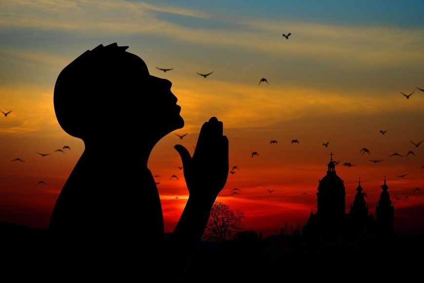 praying-religion-1280